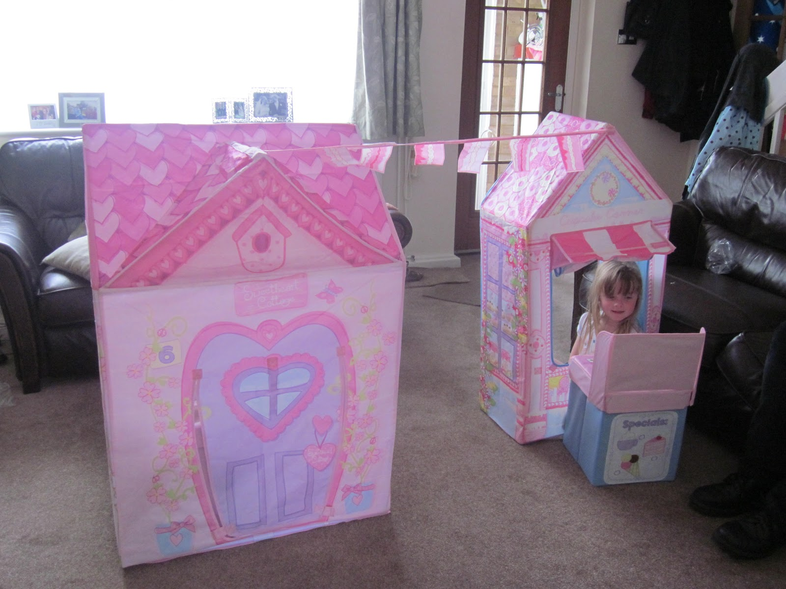 The cupcake corner play tent comes with a mock cash register bunting and some foam doughnuts and coins it retails for £29.99 and this is by far my girls ... & Honest Mummy Reviews : Review: Love My Street Sweetheart Cottage ...