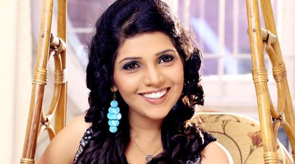 mukta barve marathi actress celebrity biography