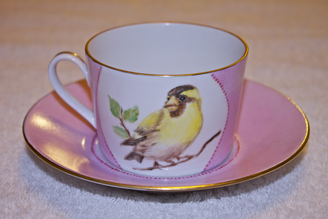 siskin, bird, hand painted tea cup, porcelain