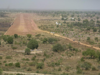 Short finals into Aweil with the disabled Fokker 50