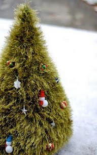 http://www.ravelry.com/patterns/library/fun-fur-kitschmas-tree