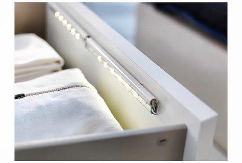Tu organizas arm rios iluminados - Luces led a pilas para armarios ...