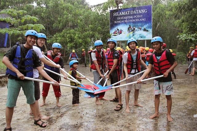 rafting , sungai elo