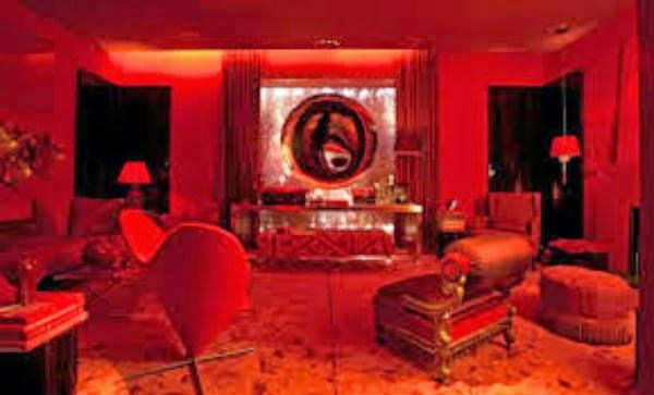 sala vermelha-cor quente. se não usada com moderação leva à excitação e nervosismo