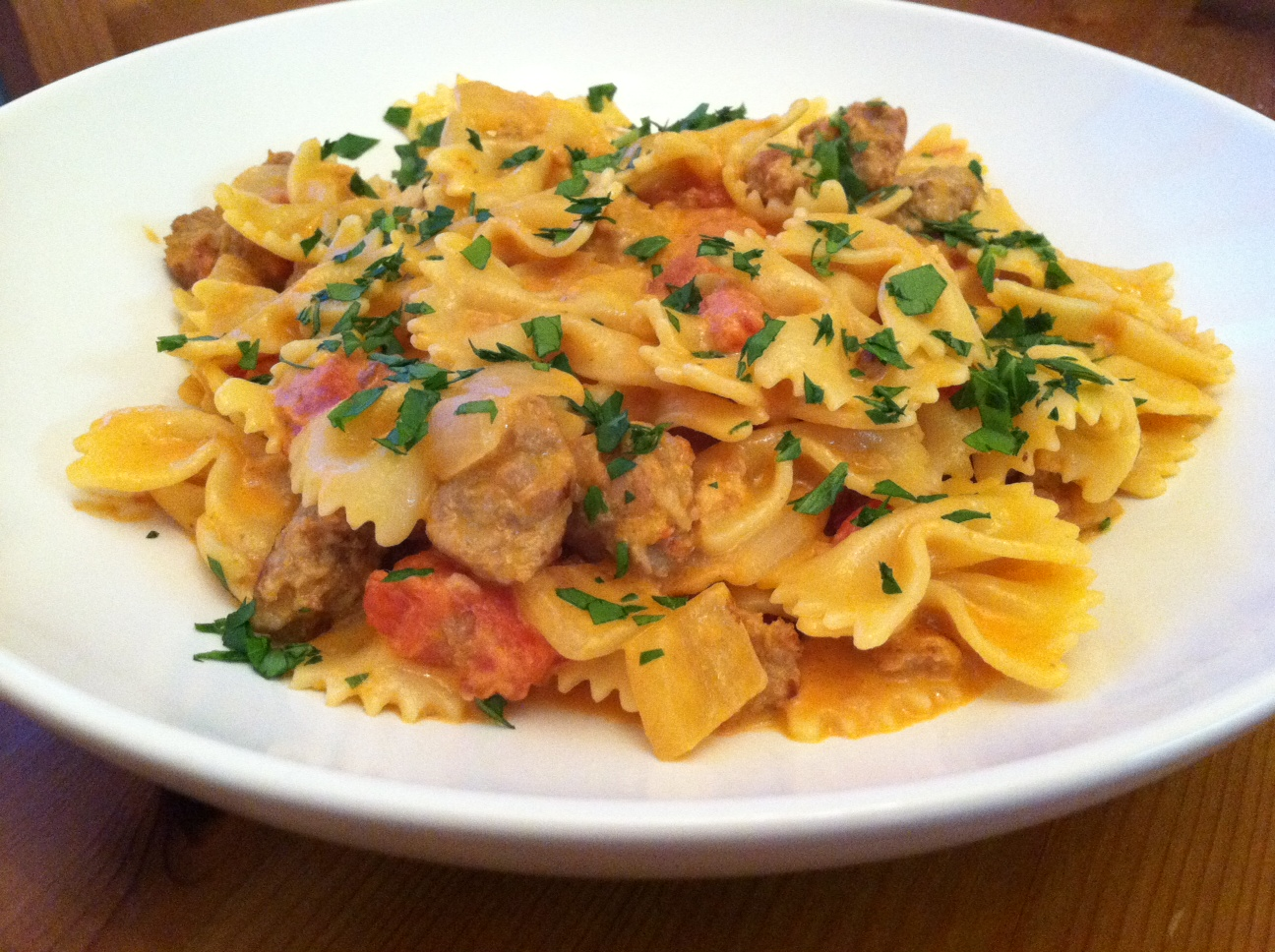 Taste of Home Cooking: Bow Ties with Sausage, Tomatoes and Cream