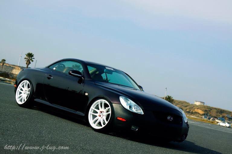 Lexus SC430, japoński sportowy samochód, silnik V8, białe felgi, po tuning, niskie zawieszenie