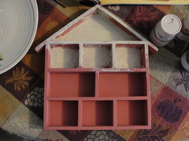 Suitcase vignettes diy haunted house for Diy haunted house walls