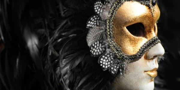 Algumas pessoas fazem máscaras de si para si próprias