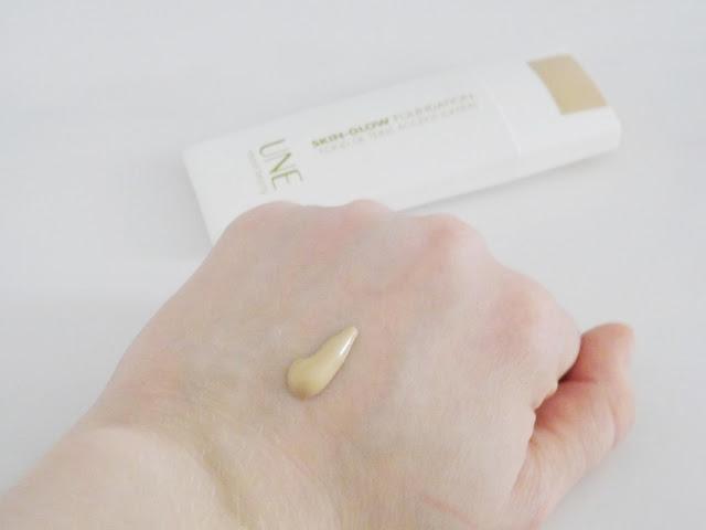 Bourjois UNE Skin Glow Foundation G02 Swatch