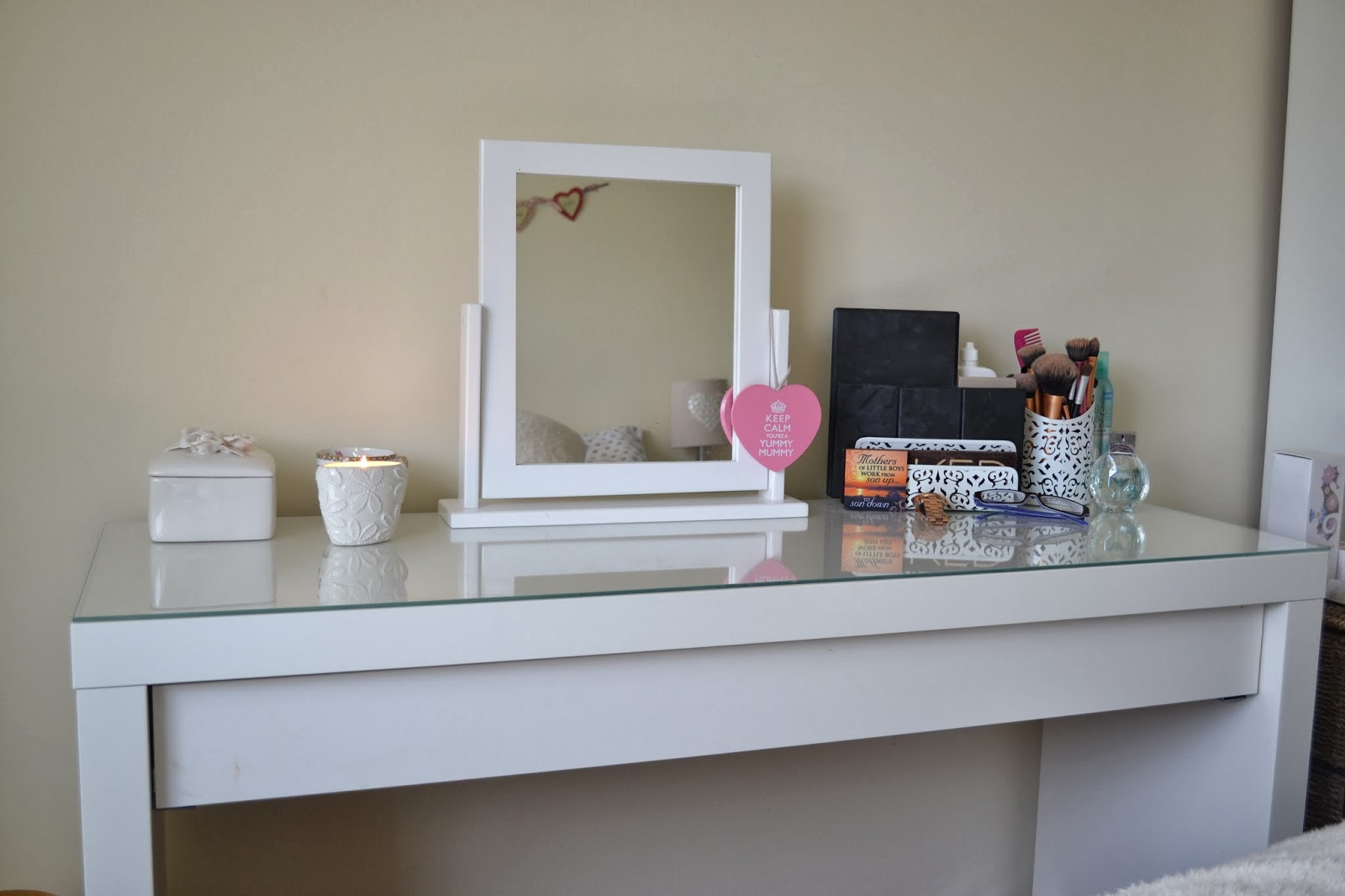 White Gloss Dressing Table Ikea Displaying 19> Images For - Ikea Makeup Storage Table...