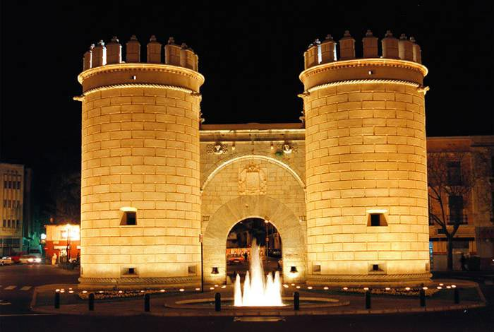 monumentos famosos de badajoz