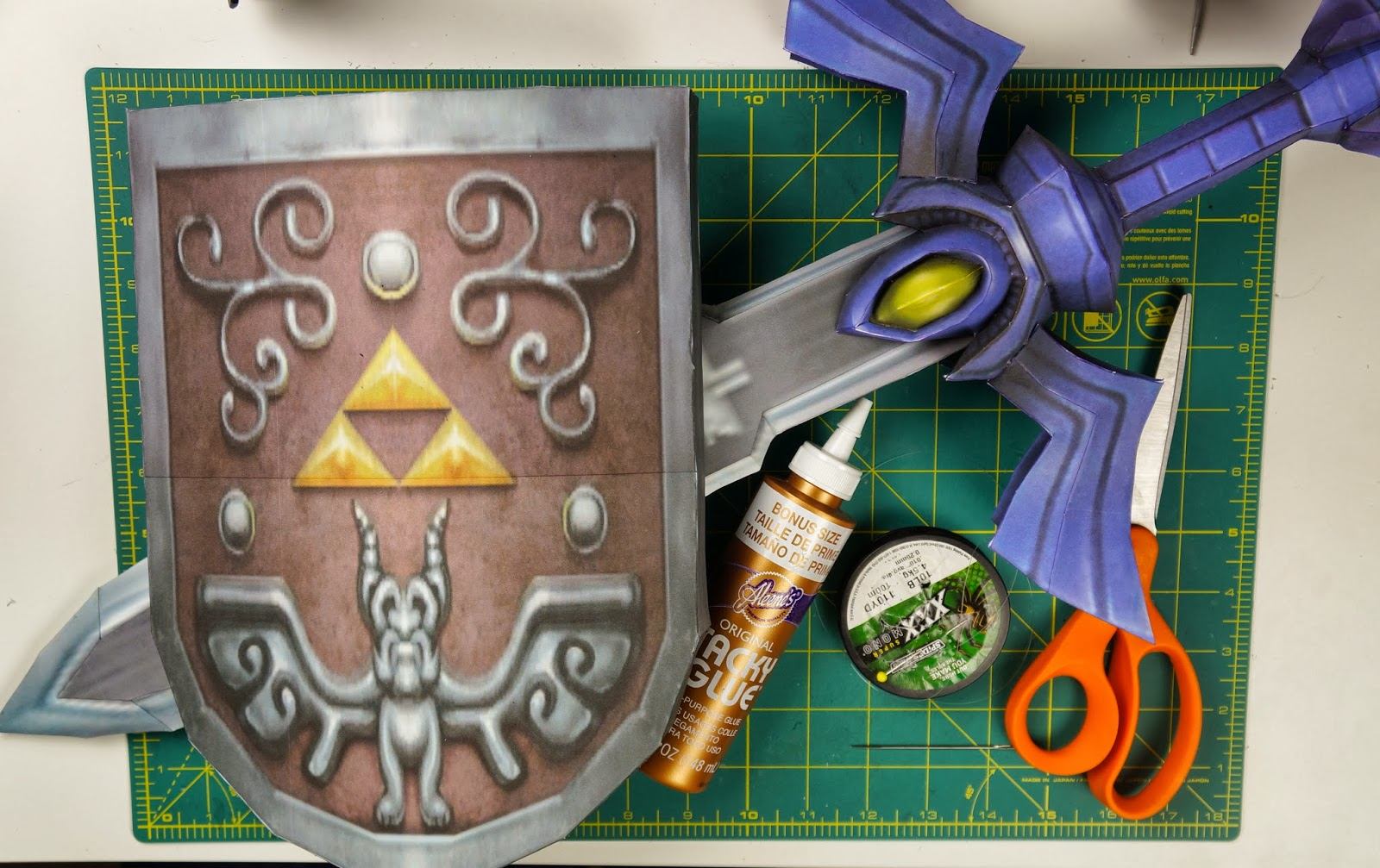 Otaku crafts wind waker master sword shield wall decoration for Decoration zelda