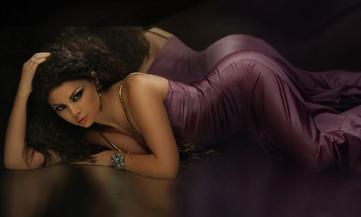 haifa wehbe showing her most sexy hot back wallpaper pics images photos