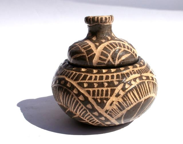 sgraffito ceramika