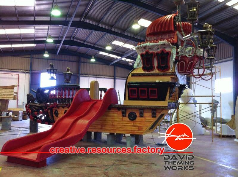 Nuevas fotos de los avances del nuevo barco pirata con - Toboganes para piscinas ...