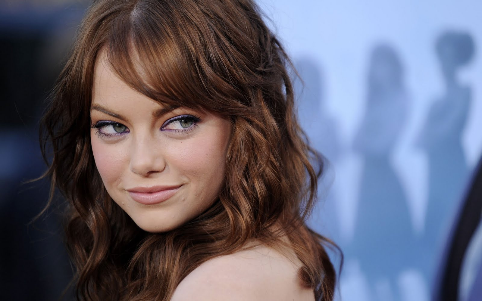 http://4.bp.blogspot.com/-T3raTeDw0_A/TeXrIkkWfiI/AAAAAAAABIo/c1KY1sch3pM/s1600/Emma-Stone-Wallpaper-download.jpg