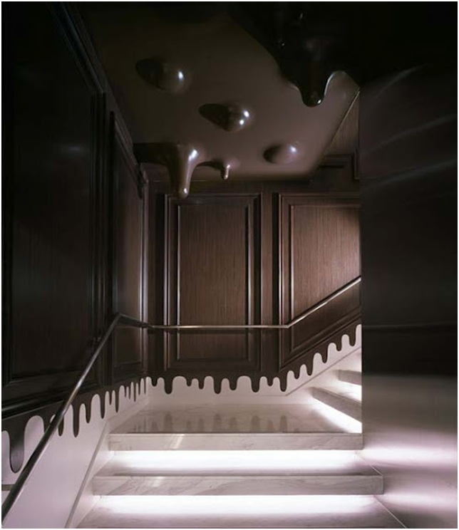 Original stairway decoration with chocolate ceiling