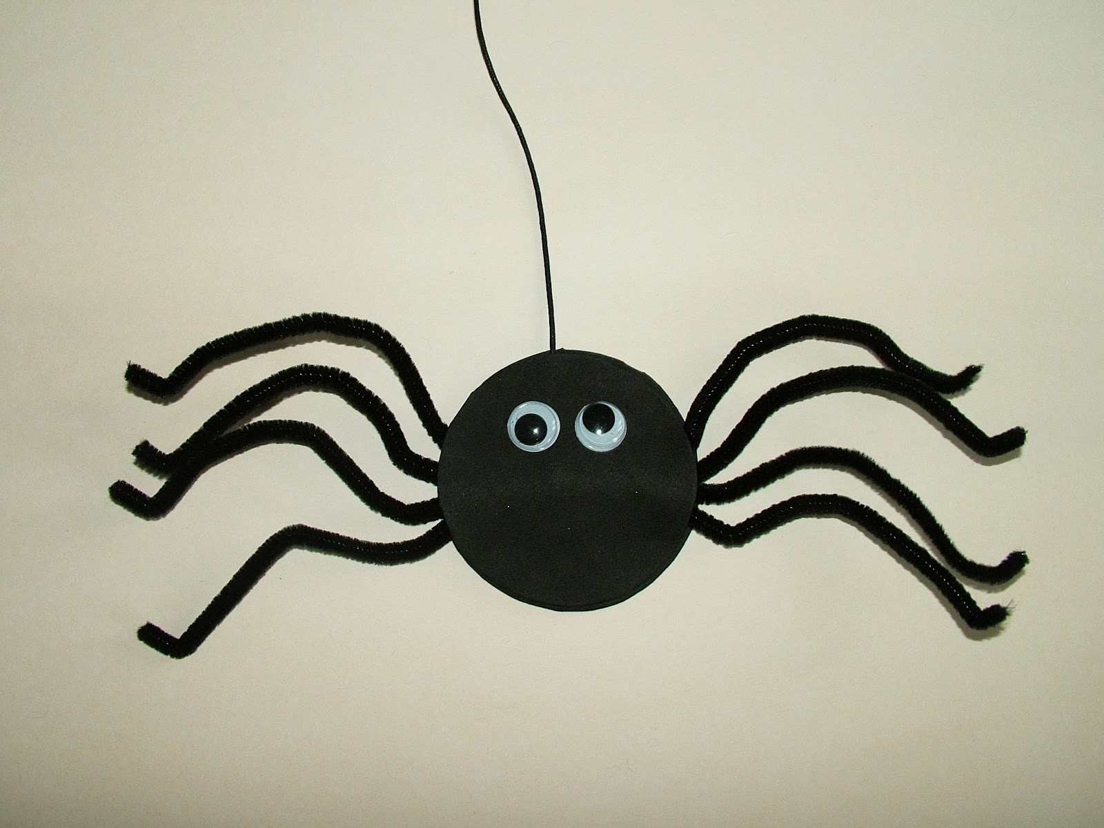 art craft tutorial for kids how to make a halloween spider