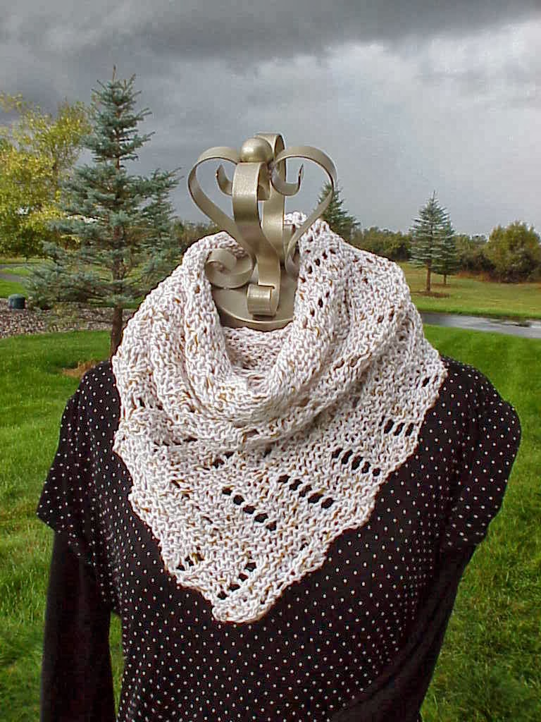 Diagonal Knit Scarf Pattern : Kriskrafter: Free Knitting Pattern! Definitely Diagonal Scarf