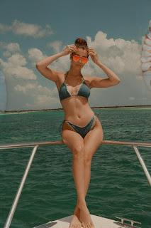 Teen Nude Girl - rs-BellaHadid-764179.jpg