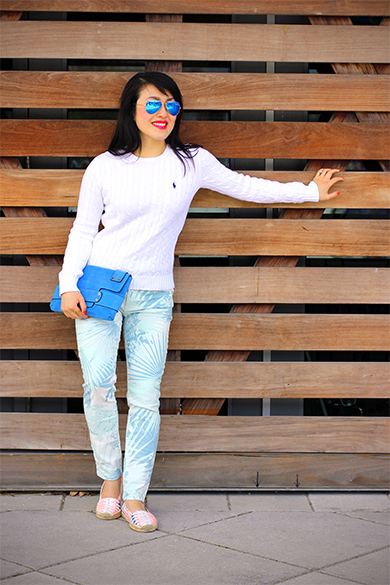 White Raph Lauren cable knit crewneck sweater with Gap 1969 tropical always skinny skimmer jeans