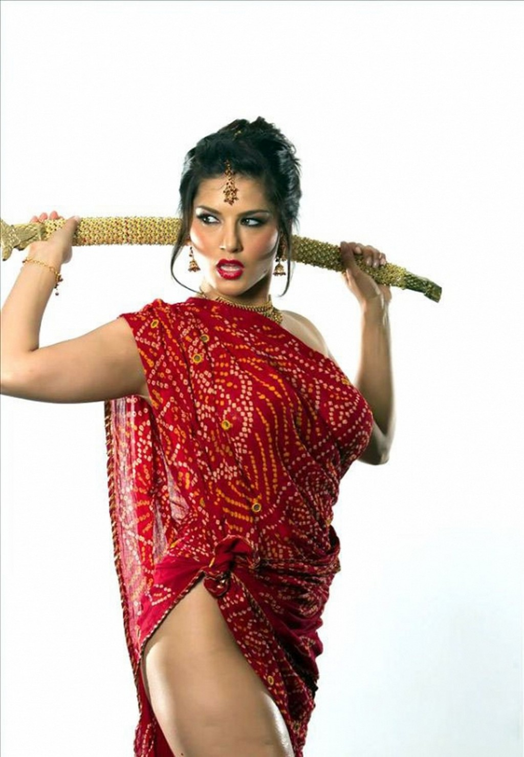 Leone Sunny Topless Oiled Up Show Big Boobs And Sword In Saree