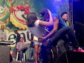 Milka La Más Dura y su grupo cierran carnaval SDE con escenas porno; incitan a hacer sexo oral