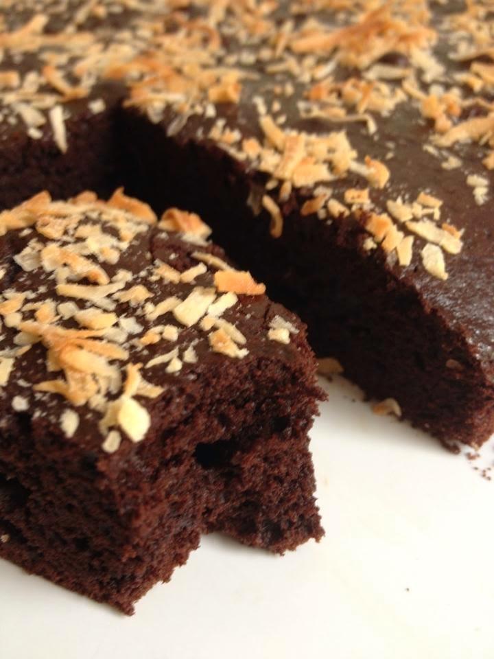 sponge cake au chocolat et lait de coco en k de gourmandises. Black Bedroom Furniture Sets. Home Design Ideas