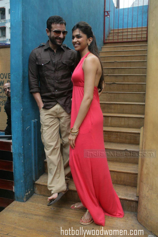 Hot Bollywood Celeb: Deepika Padukone in Red Hot Dress at ...