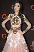 Kanika Kapoor glamorous photos-thumbnail-15