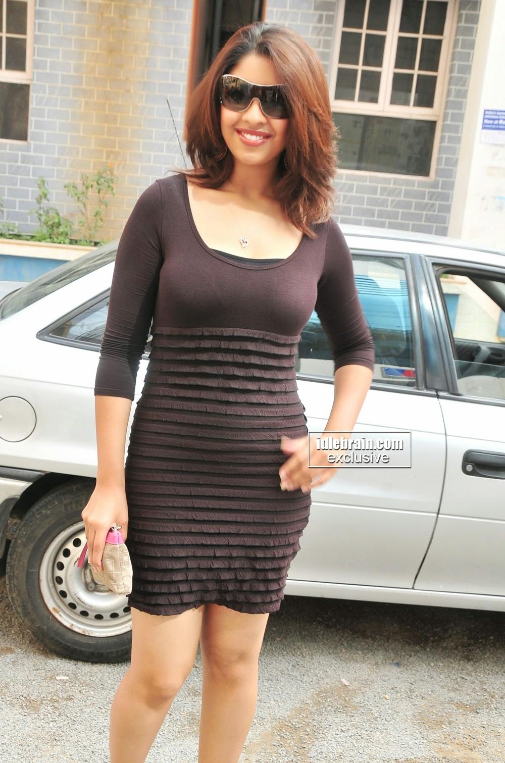 Richa Gangopadhya black hot