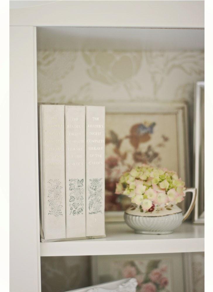 El recuperarte de min ideas forrar estantes con papel for Muebles descatalogados ikea