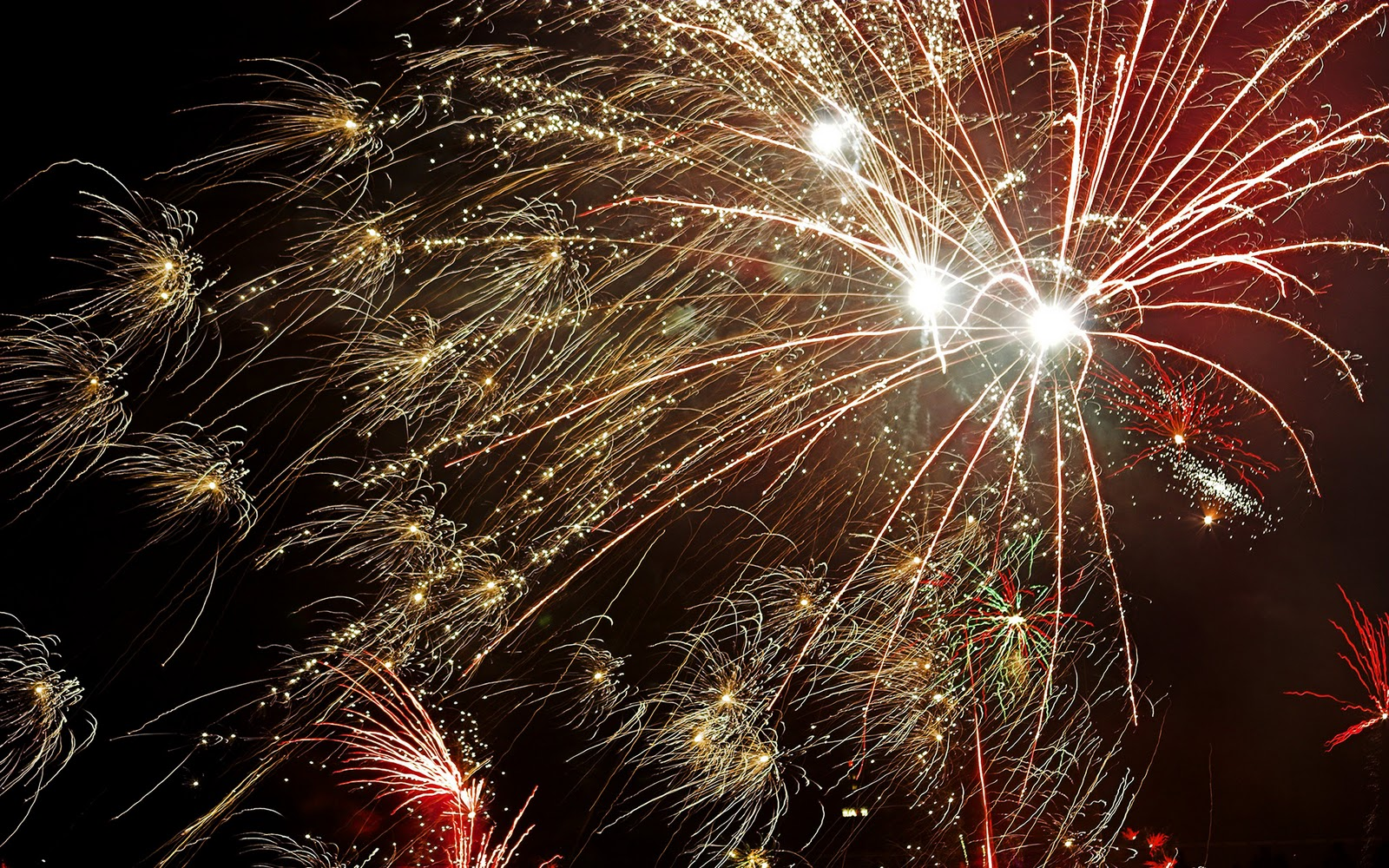 http://4.bp.blogspot.com/-T5qMbvnU1g0/TsI93GUPYXI/AAAAAAAASys/ZMr9nSjn0dU/s1600/Mooie-vuurwerk-achtergronden-leuke-hd-vuurwerk-wallpapers-afbeelding-plaatje-foto-5.jpg