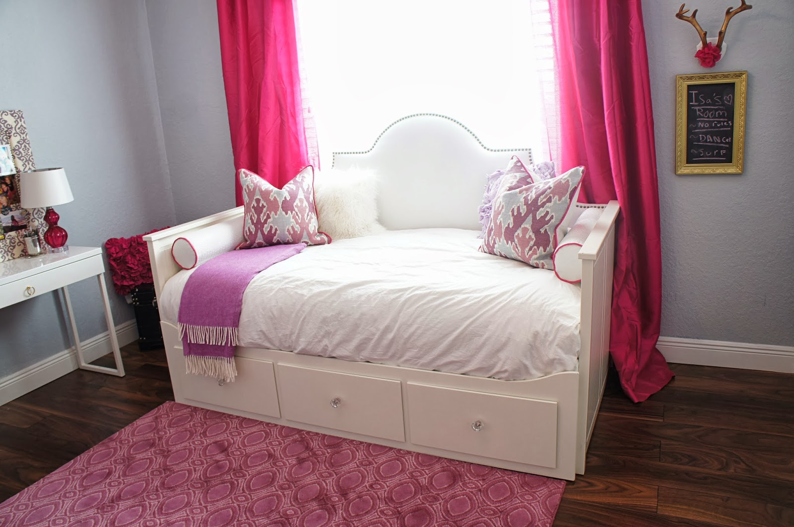 Marvelous Ikea Hemnes Day Bed With Upholstered Headboard DIY