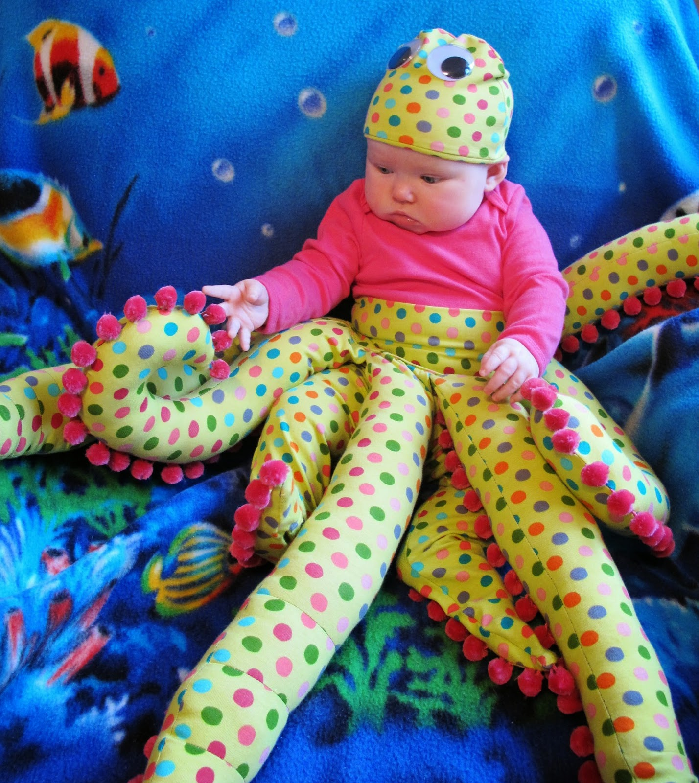 Baby Octopus Costume | bonnieprojects.blogspot.com