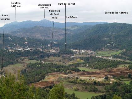 Panoràmica de Monistrol de Calders amb Sant Llorenç del Munt al fons i la masia de la Païssa en primer terme