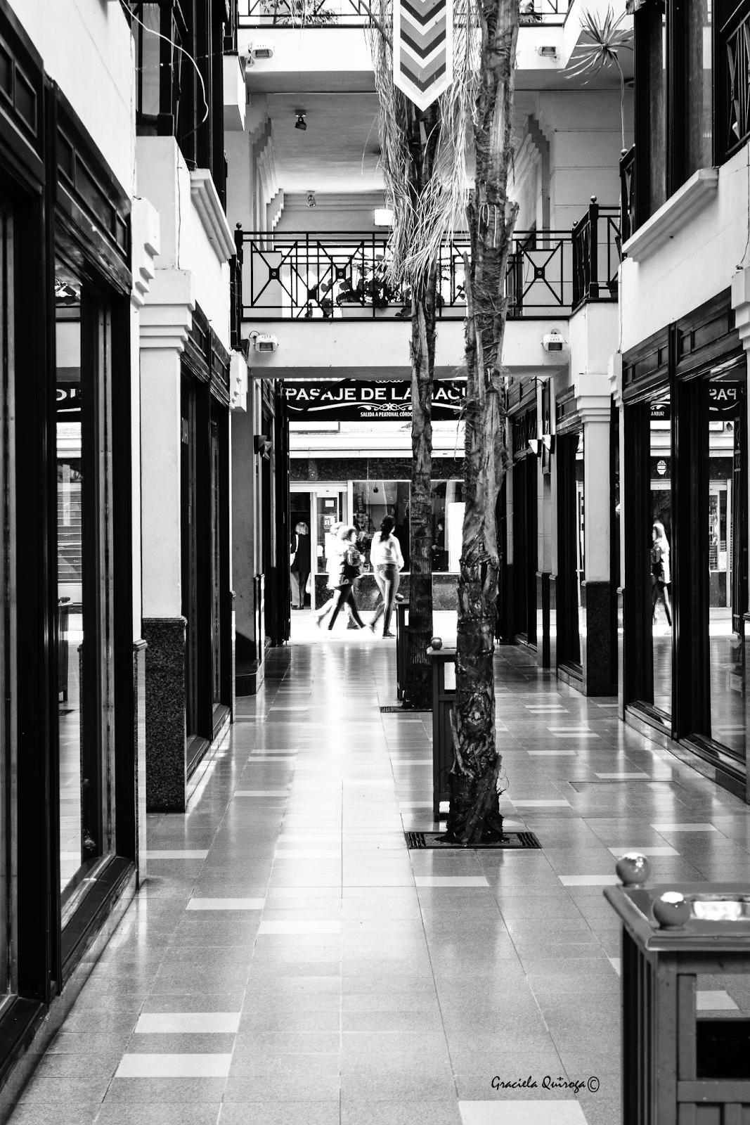 Fotos gr fica y dise os galeria comercial - Galeria comercial ...