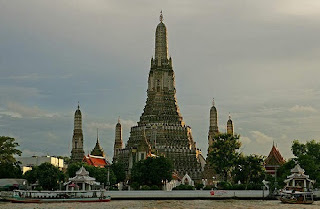Kuil Fajar - Wat Arun - Wat Phra Keaw | Paket Tour Murah ke Thailand 2013