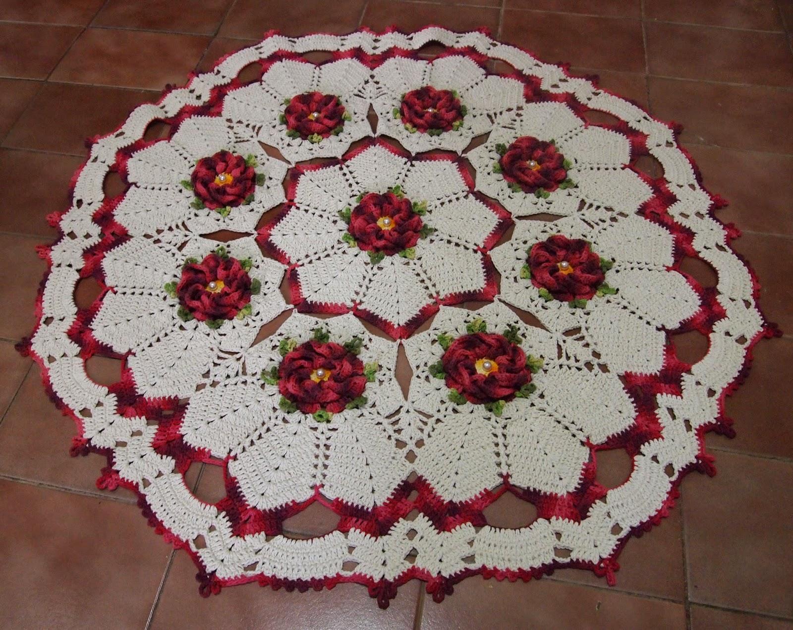os croches da elsa tapete redondo com flor segredo. Black Bedroom Furniture Sets. Home Design Ideas