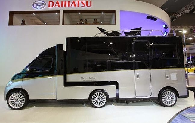 Daihatsu Gran Max Caravan