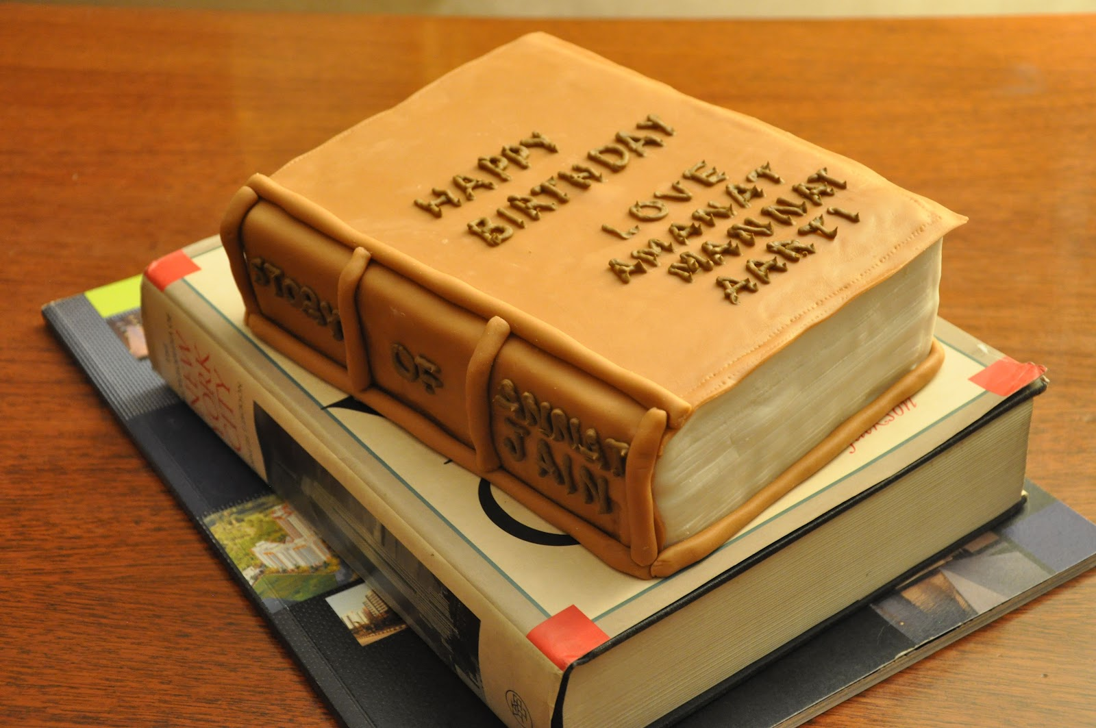 Cake Designs With Books : Baking From My Heart: Love What I Do : Banana Bread with ...