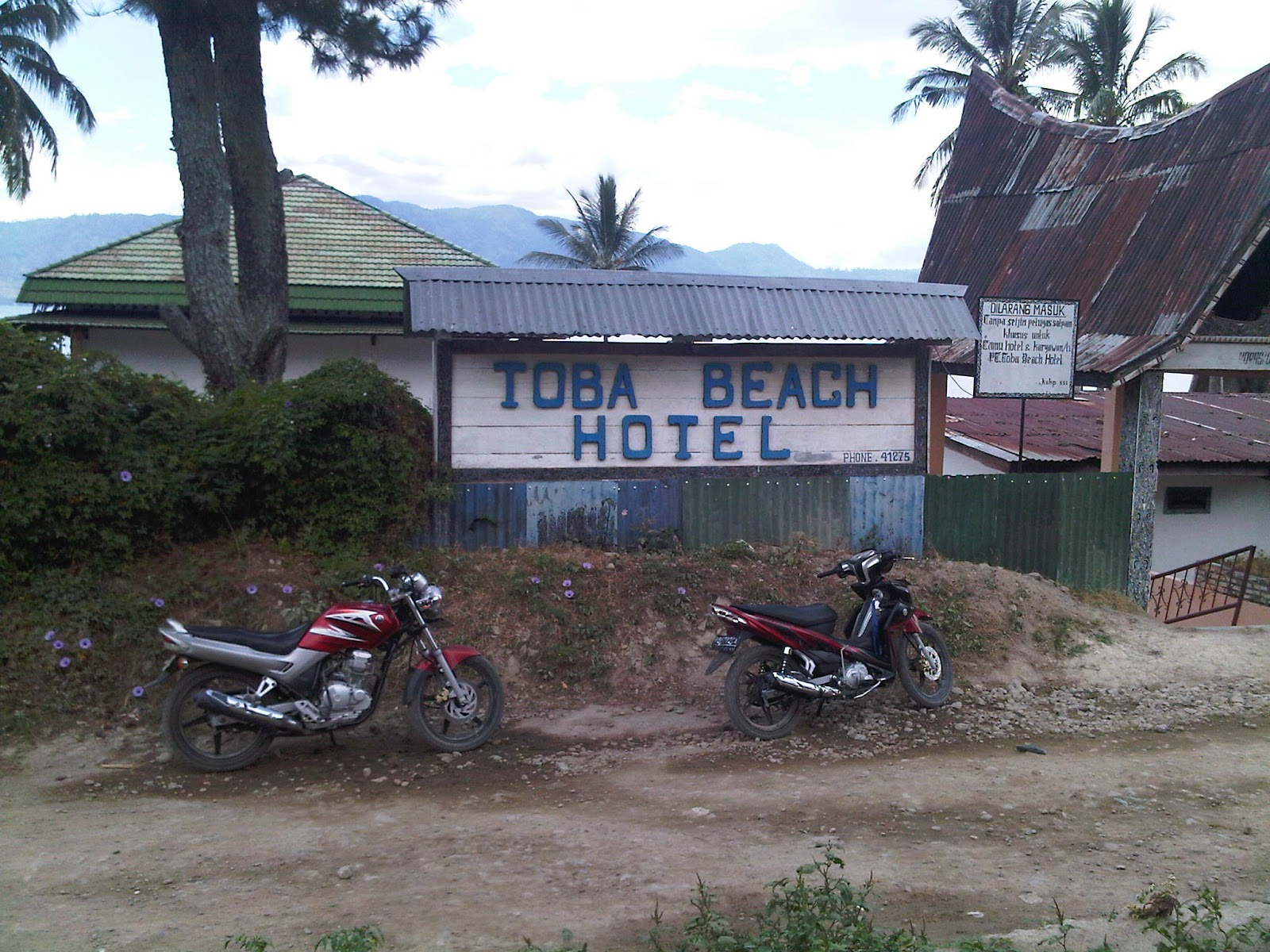 Toba Beach Hotel Tomok