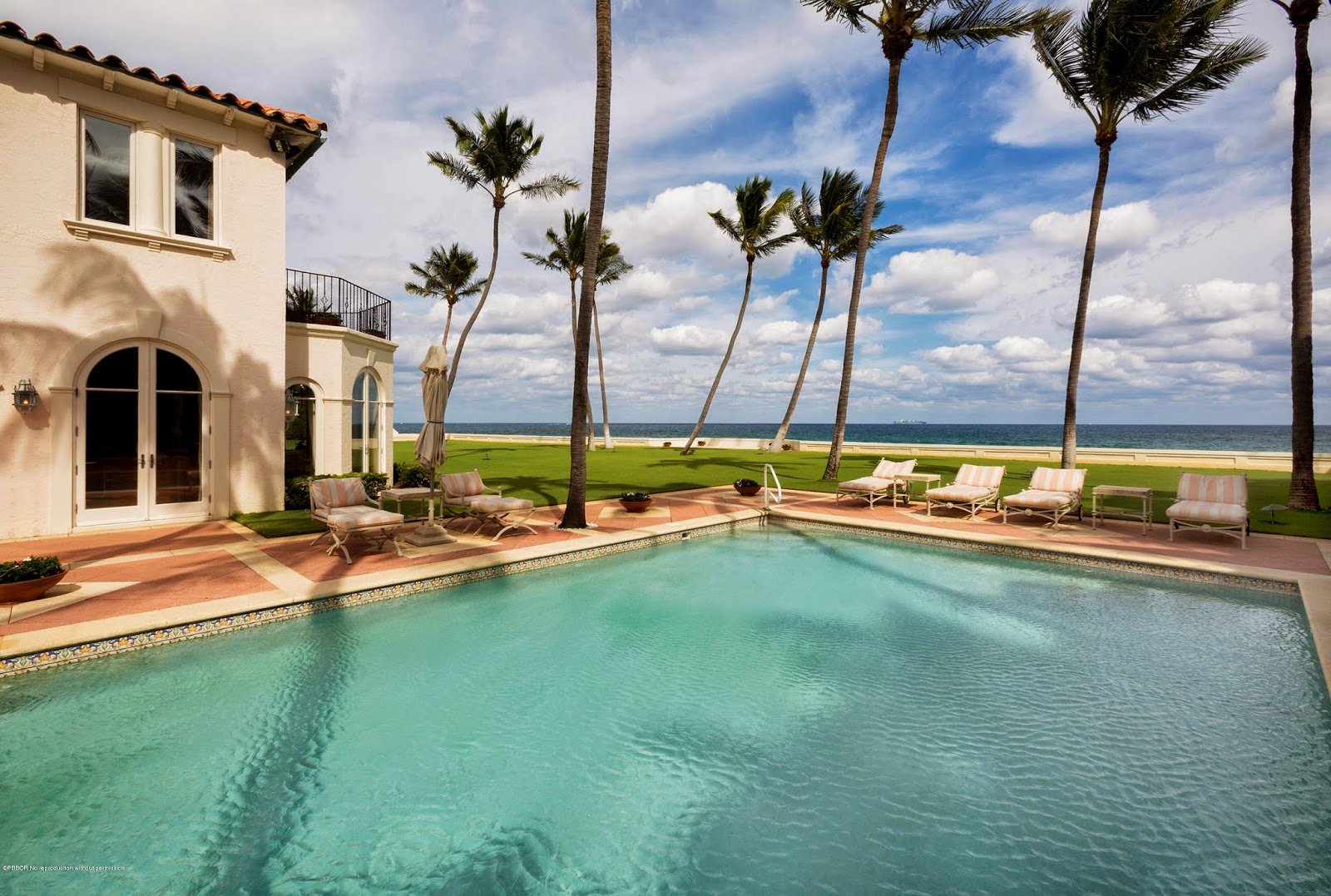 The glam pad the kennedy winter white house is for sale - Palm beach pool ...