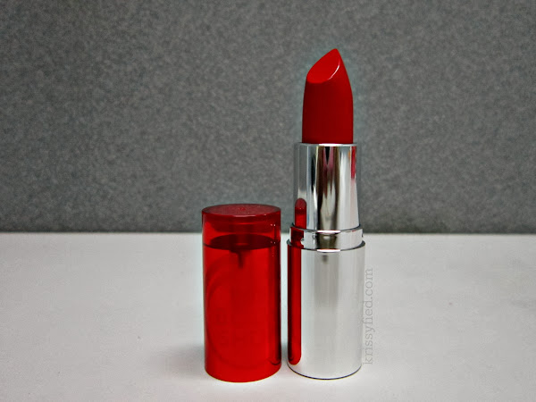 Review: The Body Shop Colour Crush Lipstick in Red Siren