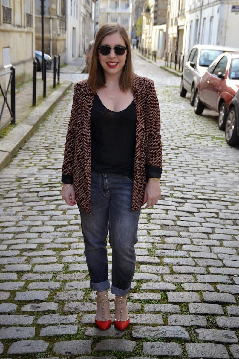 veste imprimé géométrique Pimkie, boyfriend Isabel Marant et sac Chanel