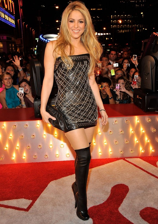 Shakira 2019: Boyfriend, net worth, tattoos, smoking ...