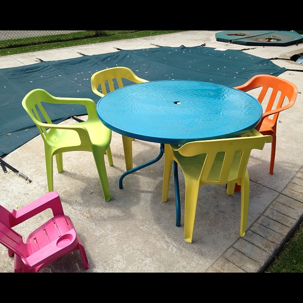 Monty 39 S Average Life Painting Plastic And Glass Patio Furniture