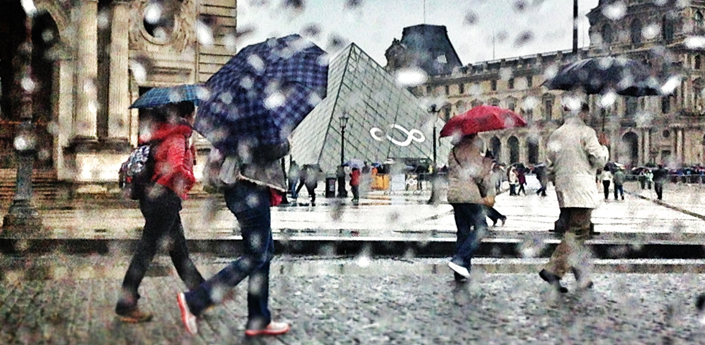 Rainy Paris visit to the Louvre