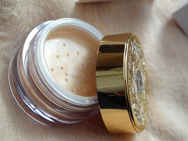 Deluxe Mineral Veil Finishing Powder Collector's Edition