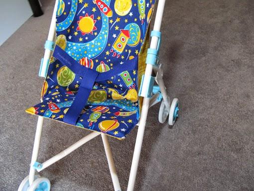 http://www.threadingmyway.com/2014/06/doll-stroller-liner-tutorial.html